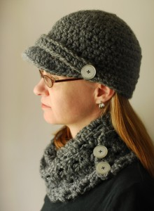 Chunky brimmed hat and scarf